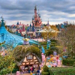 O-lume-de-vis-la-Disneyland-Paris-isneyland_paris_view