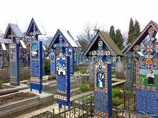 Top-10-destinatii-de-vizitat-in-Transilvania-(I)-Cimitirul_Vesel_de_la_Sapanta6