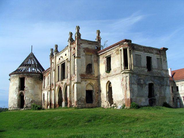 Top-10-destinatii-de-vizitat-in-Transilvania-(I)-castelul-bannfy