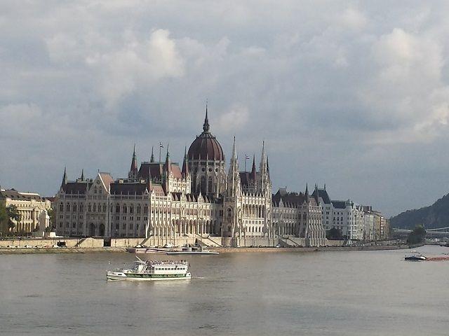 parlamentul Budapesta